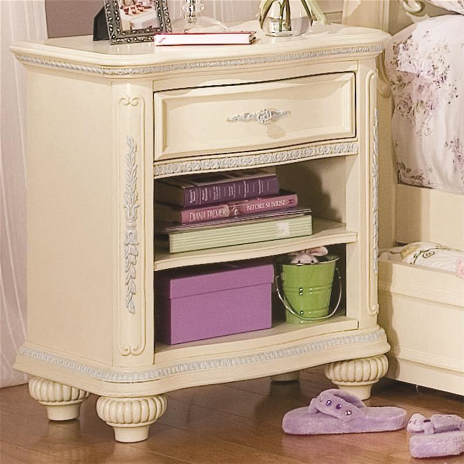 Jessica Mcclintock Bedroom Furniture Traditional Bedroom Design Ideas Bedroom Ceiling Fabric Draping Bedroom Area Rugs: Lea Jessica McClintock Romance Open Drawer Nightstand By