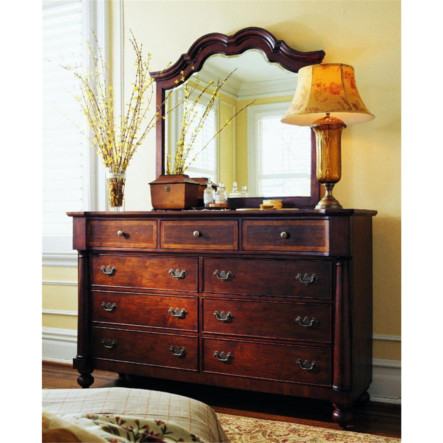 Lane California King Sleigh Bed Set With Dresser Mirror And Nightstand By Oj Commerce 708