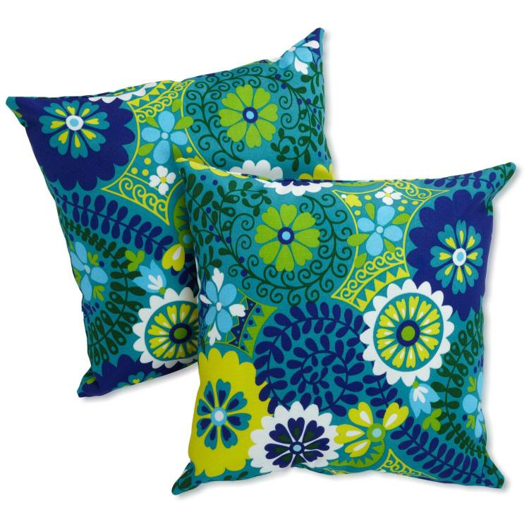 Blazing Needles 20-inch Outdoor Throw Pillows (Set of 2)