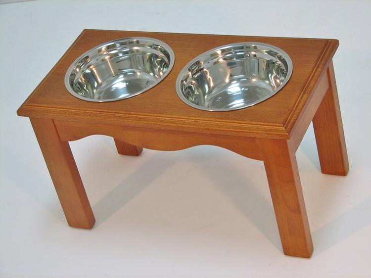 Crown Pet Diner, Large size, with Chestnut Finish