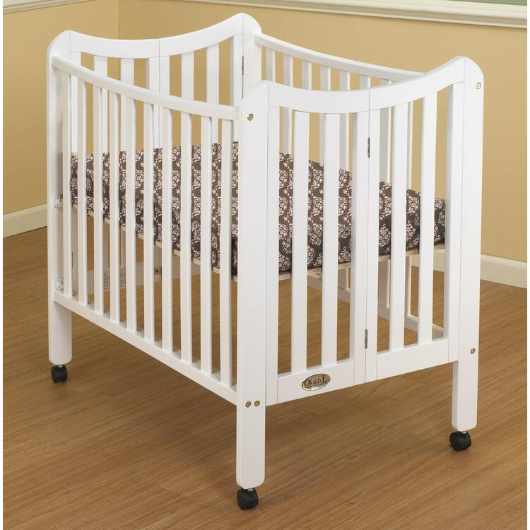 The Tian Portable Crib