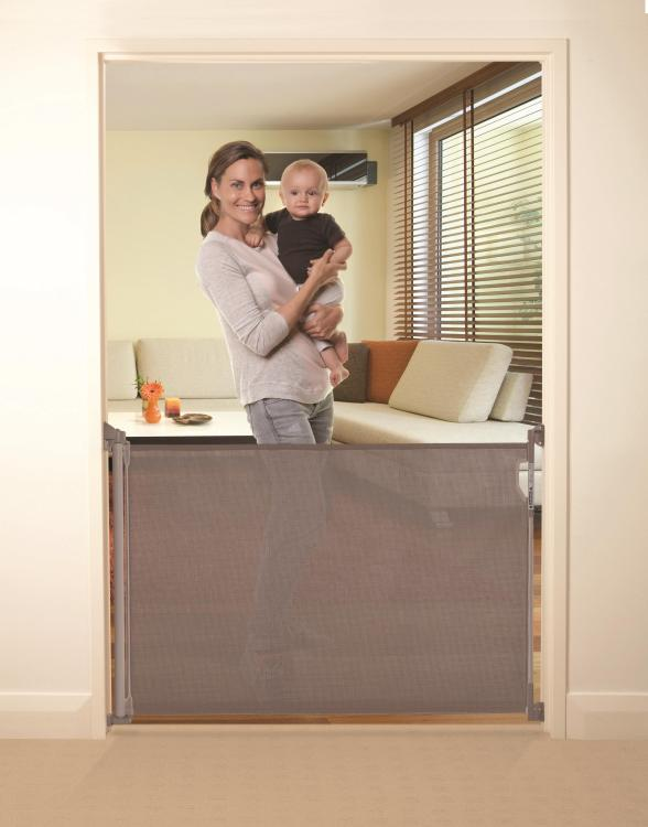 Indoor/Outdoor Retractable Gate