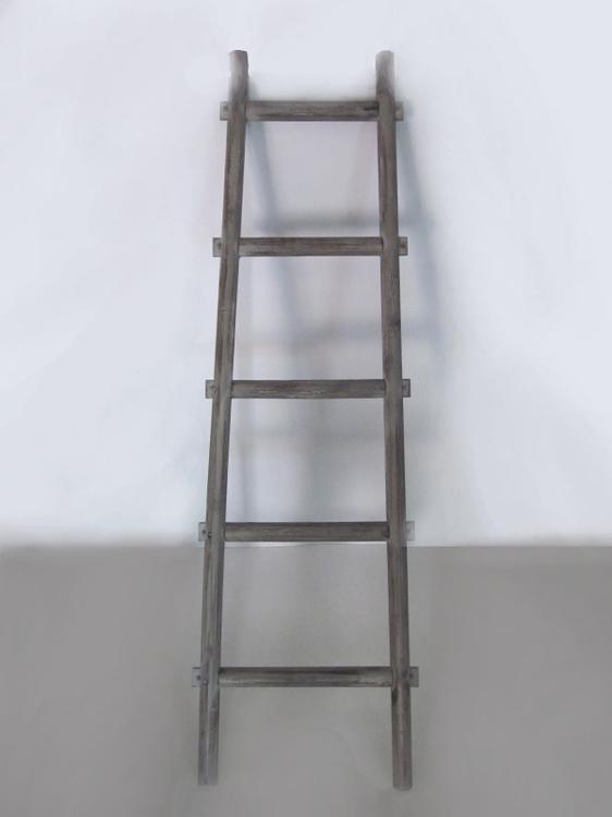 Screen Gems SGT086 Wooden Ladder